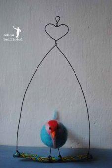 oiseau avec nichoir